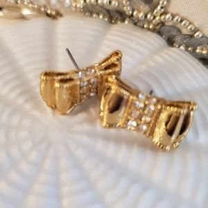 Jewelry - Earring bows
